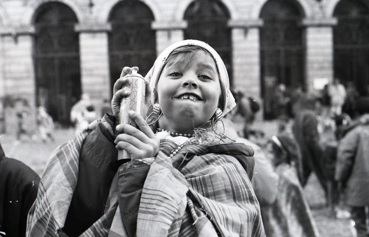 On s'amuse en fait les fous tout est permis, Carmentran carnaval de la paille d'Aurillac 1996.