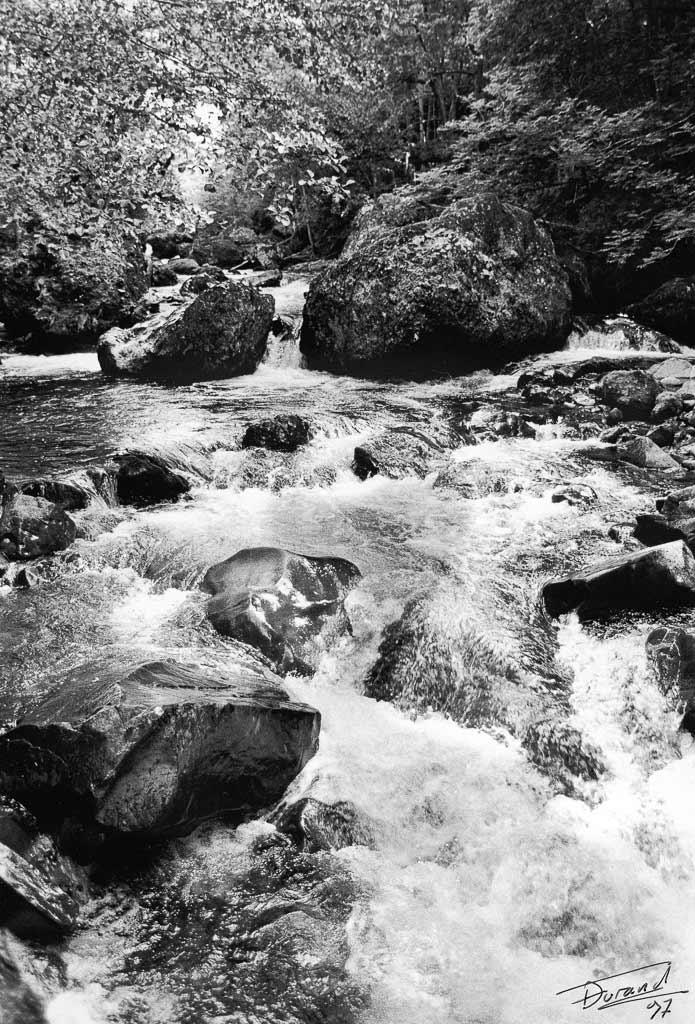rivière casquade de Salin Cantal