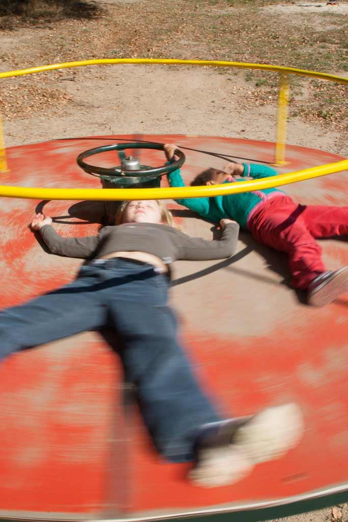 Enfants sur le tourniqué