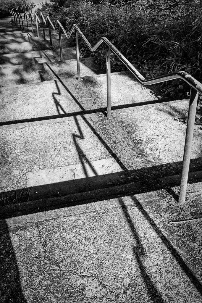 Perspective graphique d'un escalier et de l'ombre de sa rampe