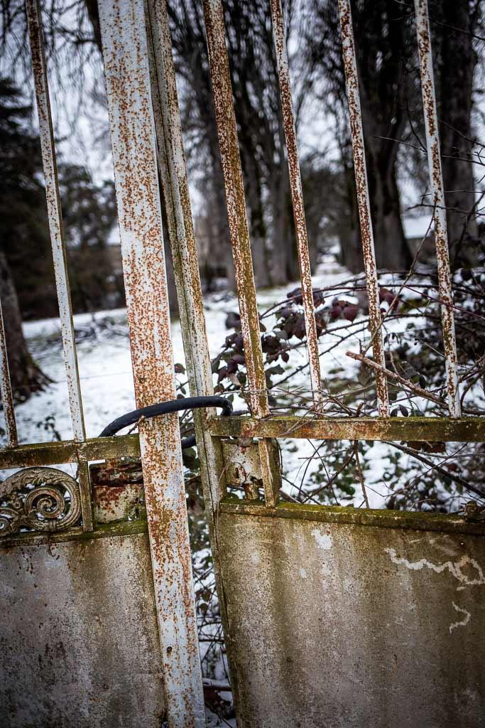 Le vieux portail du chateau