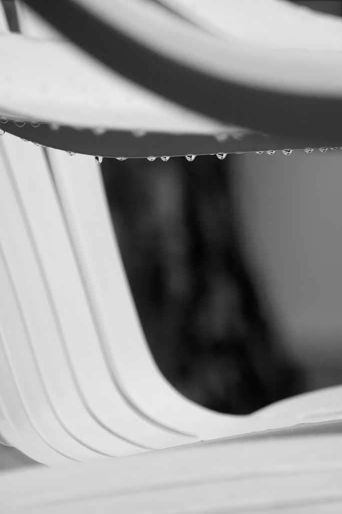 Chaise plastique goutte après goutte