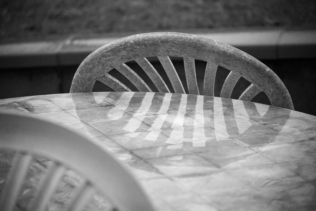 Chaise plastique reflet