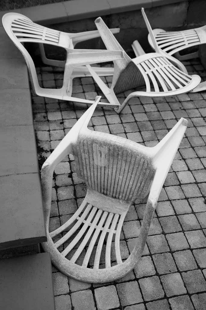 4 Chaises plastique cahos
