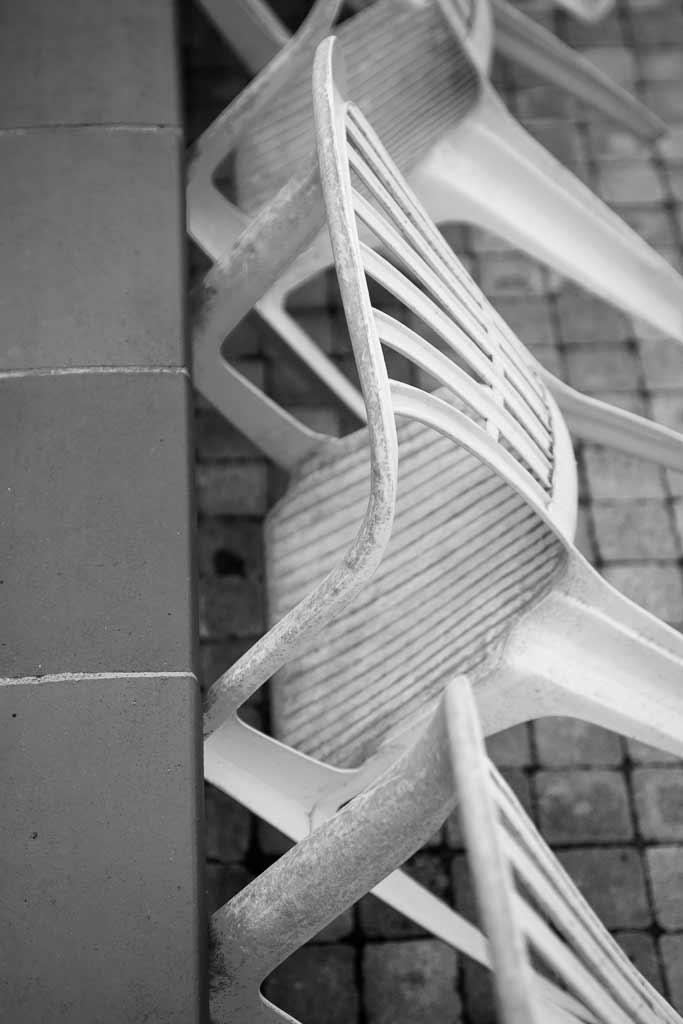 Chaises plastique équilibre