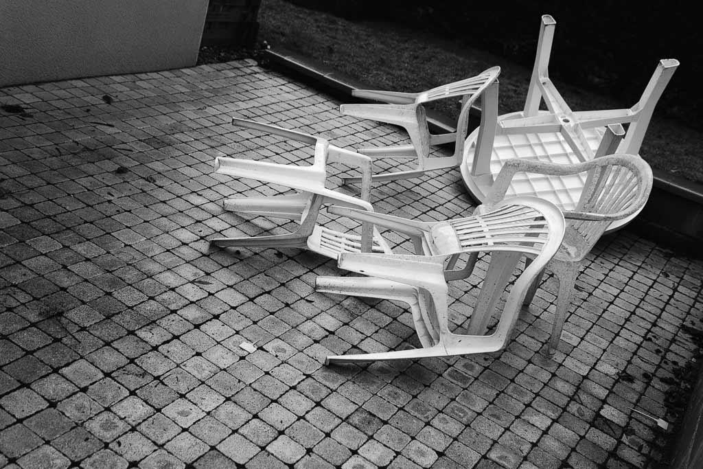 4 Chaises plastique glissement