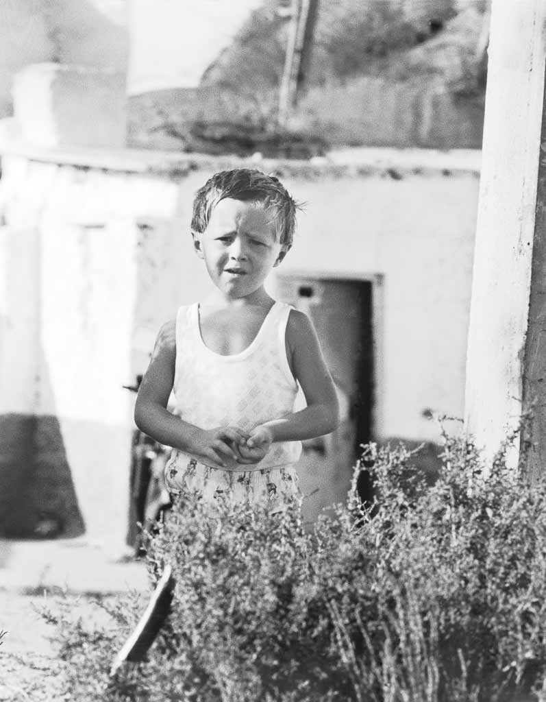 portrait enfant village troglodyte espagne