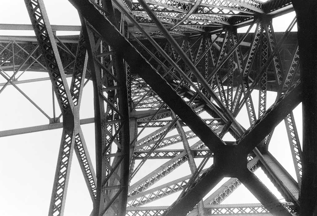 Poutrelles métallique Pont Eiffel Porto Portugal