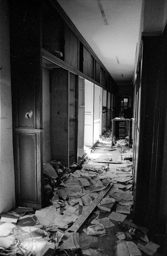 Couloir Bureau Usine Abandonnée