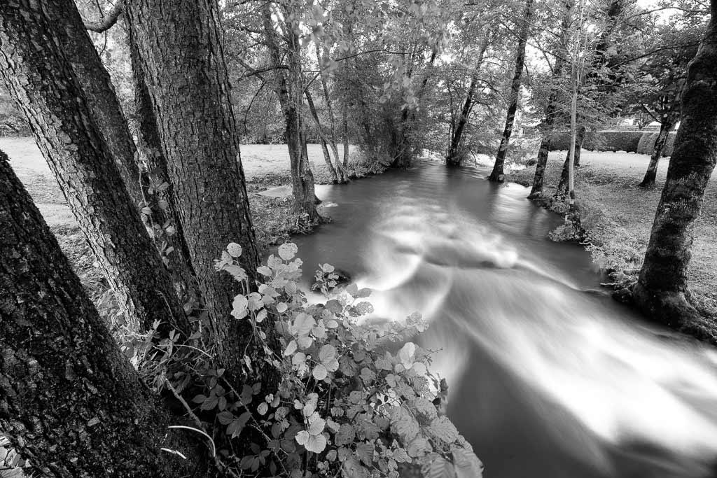 l'Authre la rivière de jussac est en crue.