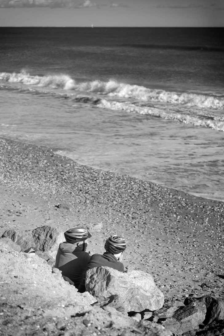 Un couple sur la plage de Frontignan